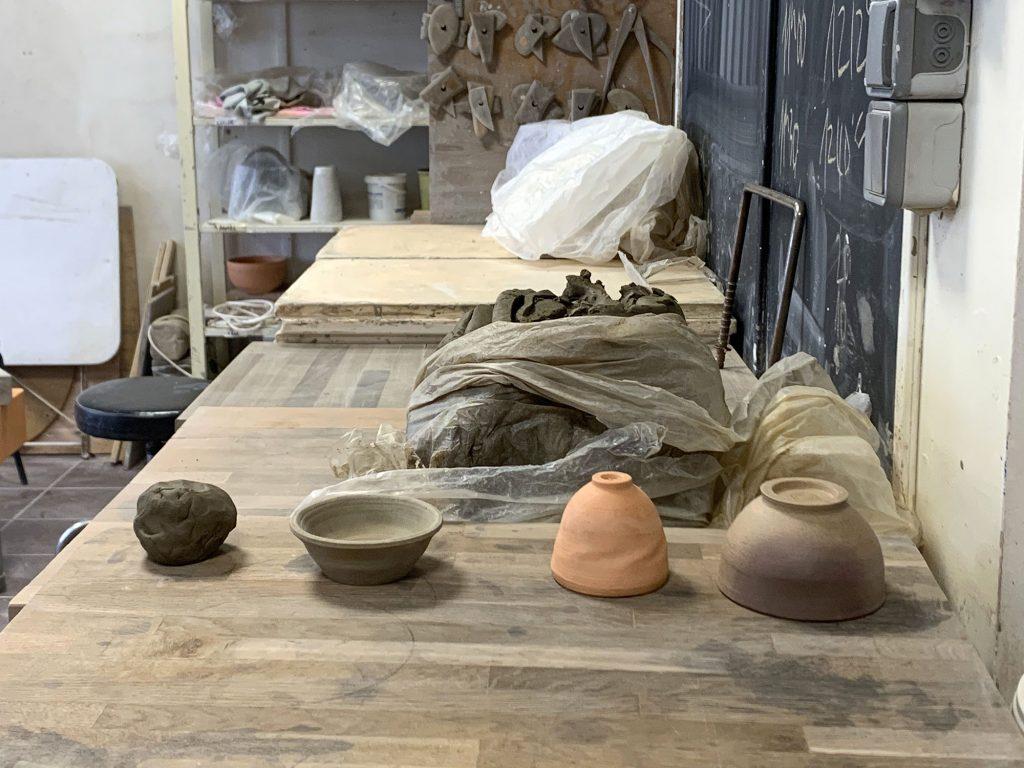 Etapes de cuisson du grès à cru séché cuit - stage de poterie tournage paris Argilerie