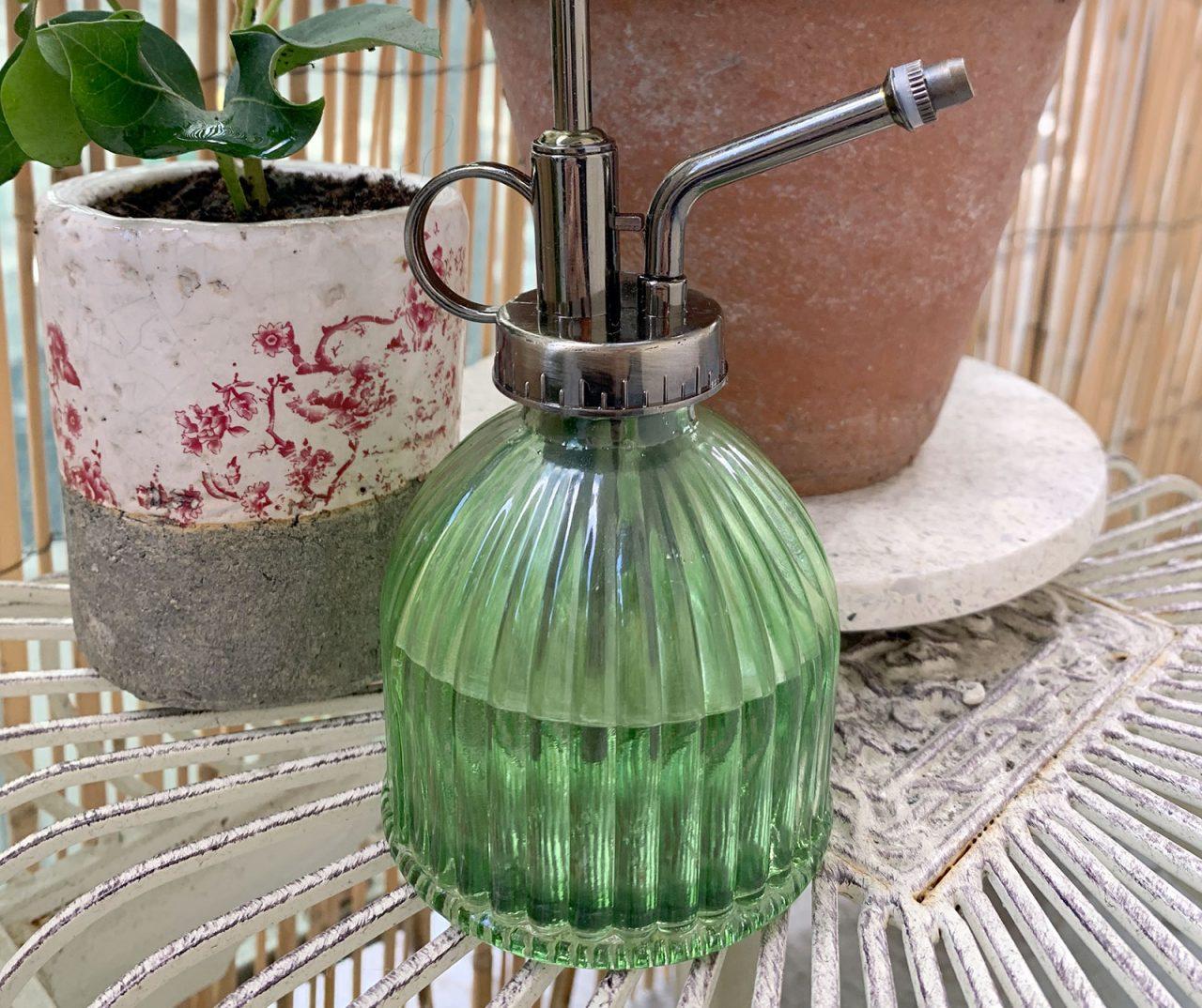 vaporisateur plantes rétro vintage - La Revue Vertu