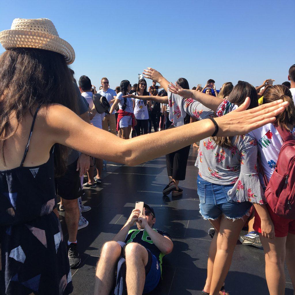 Christ rédempteur Rio de Janeiro les gens qui pausent